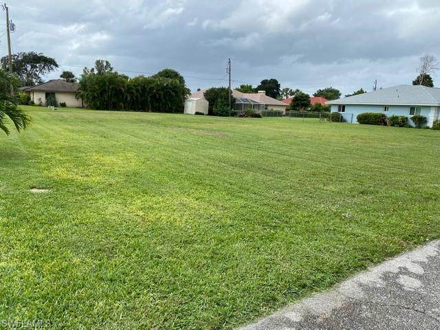 1525 Canal Street, Lehigh Acres, FL 33936 (MLS #220071067) :: Premier Home Experts