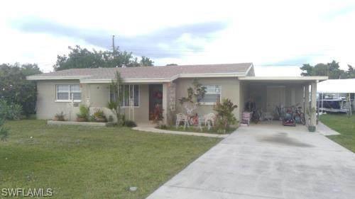 211 E Jersey Road, Lehigh Acres, FL 33936 (#220074257) :: Caine Luxury Team