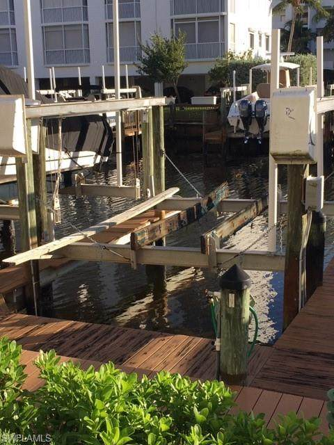 Boat Dock, Fort Myers Beach, FL 33931 (MLS #220074888) :: The Naples Beach And Homes Team/MVP Realty