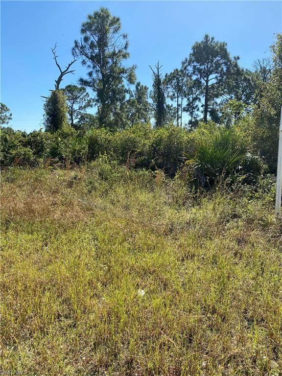 1146 Earhart Street E, Lehigh Acres, FL 33974 (MLS #220075491) :: #1 Real Estate Services