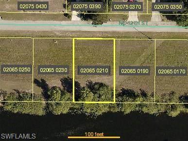 1118 NE 12th Street, Cape Coral, FL 33909 (MLS #220075958) :: NextHome Advisors