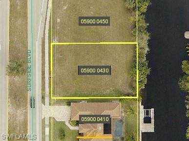 2505 Surfside Boulevard, Cape Coral, FL 33914 (MLS #220077033) :: Coastal Luxe Group Brokered by EXP