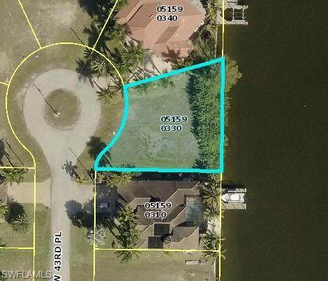 2827 NW 43rd Place, Cape Coral, FL 33993 (MLS #220077169) :: Team Swanbeck