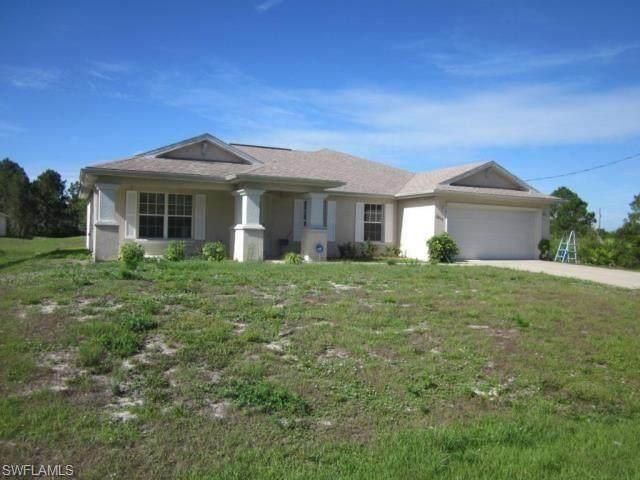 2809 23rd Street W, Lehigh Acres, FL 33971 (MLS #220077769) :: Premier Home Experts