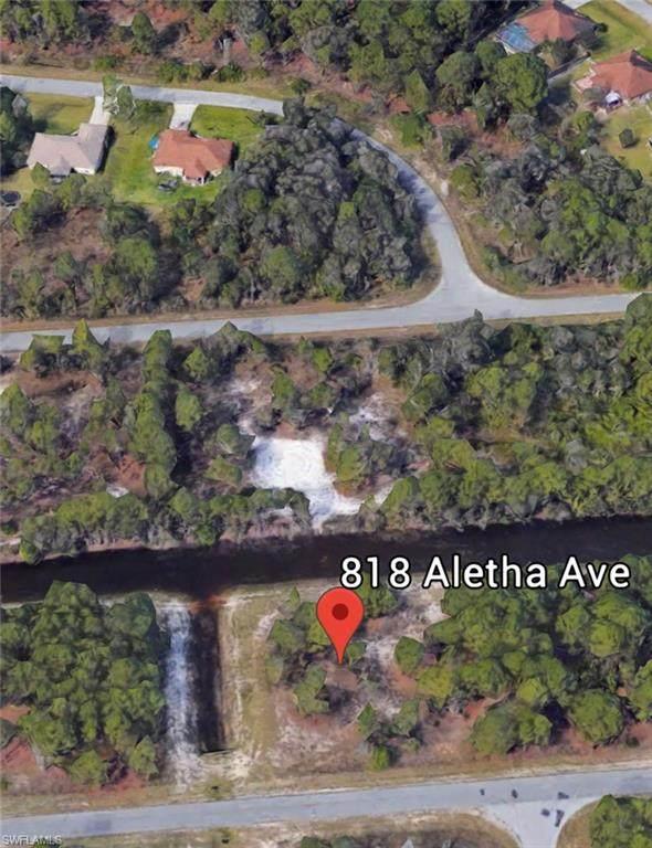 818 Aletha Avenue - Photo 1