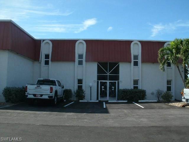 4912 Vincennes Street #202, Cape Coral, FL 33904 (MLS #221003651) :: Eric Grainger | Engel & Volkers