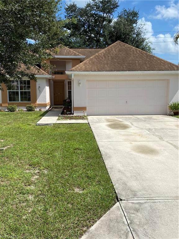 15044 Cloverdale Drive, Fort Myers, FL 33919 (MLS #221005097) :: Florida Homestar Team