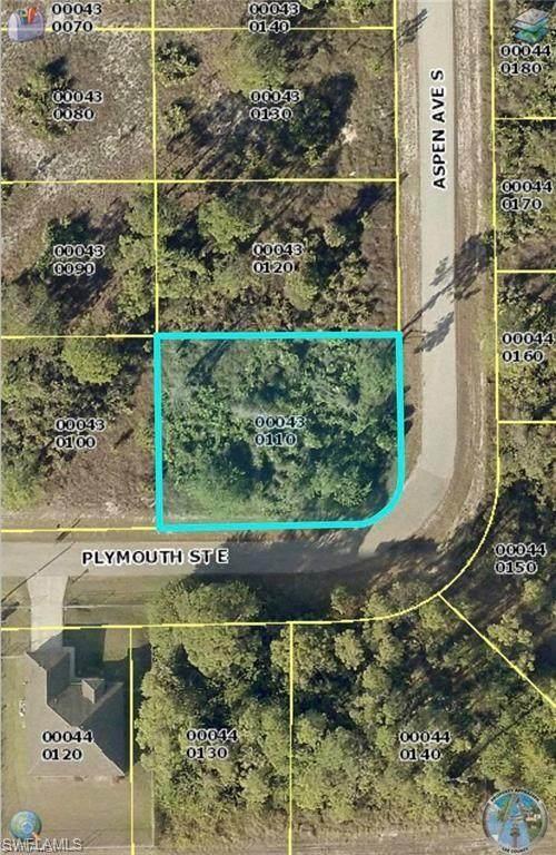 558 Aspen Avenue S, Lehigh Acres, FL 33974 (MLS #221005622) :: #1 Real Estate Services
