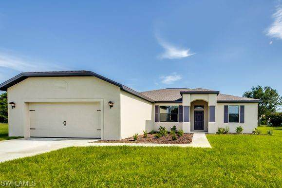 410 NE 17th Avenue, Cape Coral, FL 33909 (#221005746) :: Vincent Napoleon Luxury Real Estate