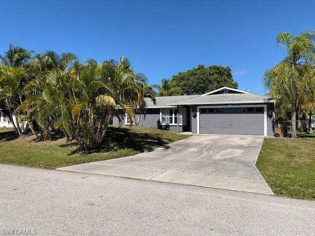 621 SW 29th Terrace, Cape Coral, FL 33914 (MLS #221005944) :: Team Swanbeck