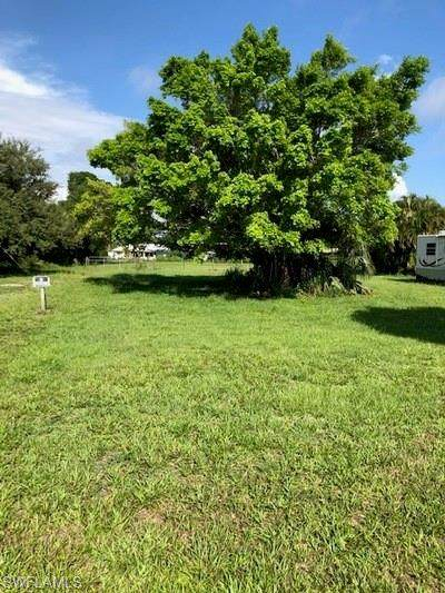 5103 Lexington Boulevard, Fort Myers, FL 33919 (MLS #221011290) :: BonitaFLProperties