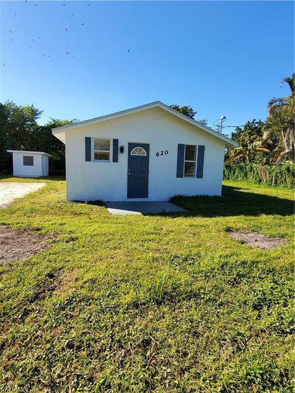 620 Nuna Avenue, Fort Myers, FL 33905 (MLS #221011461) :: Domain Realty