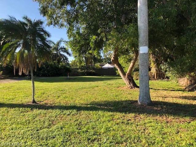 5465 Avenue D, Bokeelia, FL 33922 (MLS #221011943) :: Wentworth Realty Group