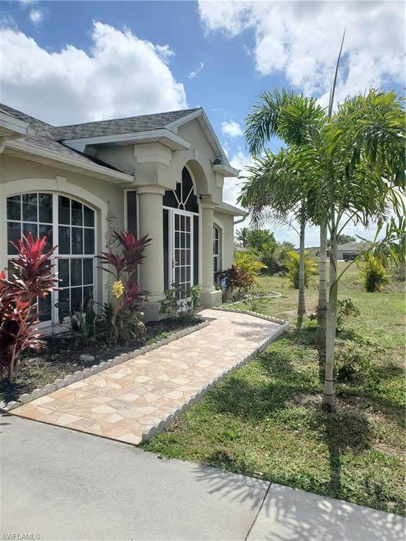 631 NE 2nd Place, Cape Coral, FL 33909 (MLS #221014931) :: Premier Home Experts