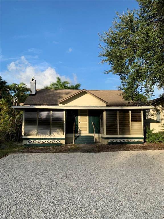 2233 Altamont Avenue, Fort Myers, FL 33901 (#221015278) :: The Dellatorè Real Estate Group