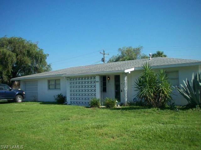 1003 Leeland Heights Boulevard E, Lehigh Acres, FL 33936 (MLS #221015757) :: NextHome Advisors