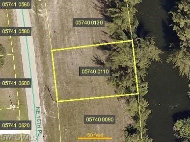 3725 NE 16th Place, Cape Coral, FL 33909 (MLS #221015934) :: Domain Realty