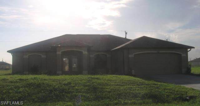 2829 NE 4th Avenue, Cape Coral, FL 33909 (#221016364) :: The Dellatorè Real Estate Group