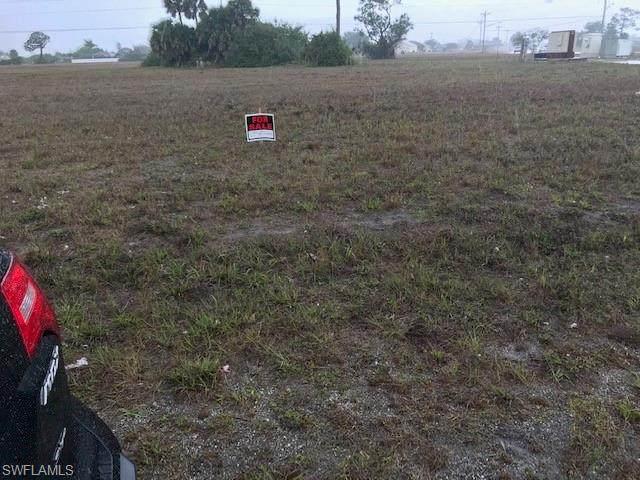 2636 Santa Barbara Boulevard N, Cape Coral, FL 33993 (#221016554) :: The Dellatorè Real Estate Group