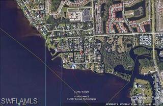 42 Lagoon Street, North Fort Myers, FL 33903 (#221018135) :: The Dellatorè Real Estate Group
