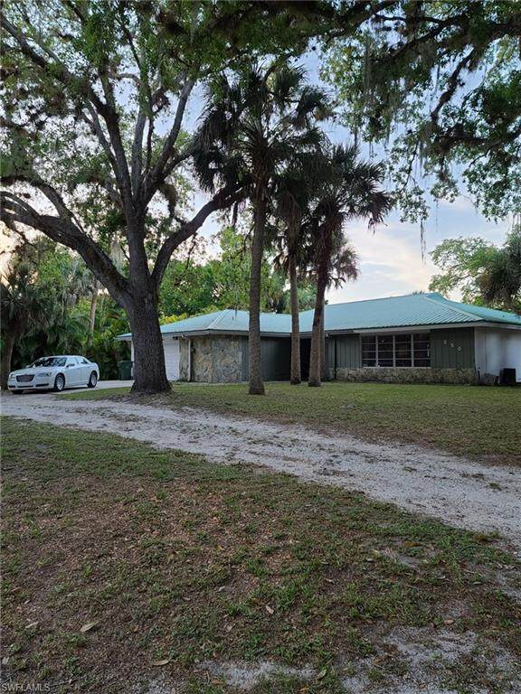 250 Riviera Vista Boulevard, Labelle, FL 33935 (MLS #221019769) :: RE/MAX Realty Group