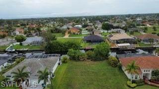 4406 SW 19th Place, Cape Coral, FL 33914 (MLS #221021286) :: Clausen Properties, Inc.