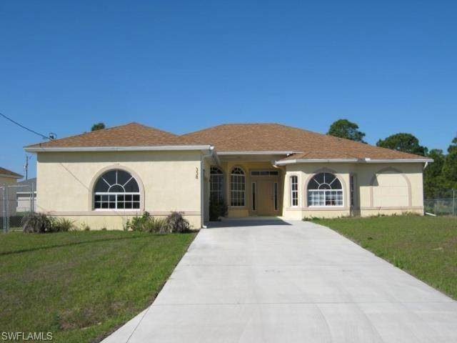 338 Pyramid Avenue, Lehigh Acres, FL 33974 (MLS #221022016) :: Realty World J. Pavich Real Estate