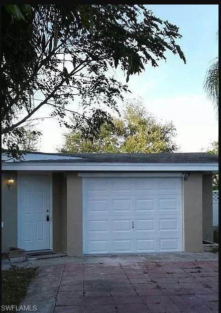 2401 Hunter Terrace, Fort Myers, FL 33901 (MLS #221024671) :: Tom Sells More SWFL | MVP Realty