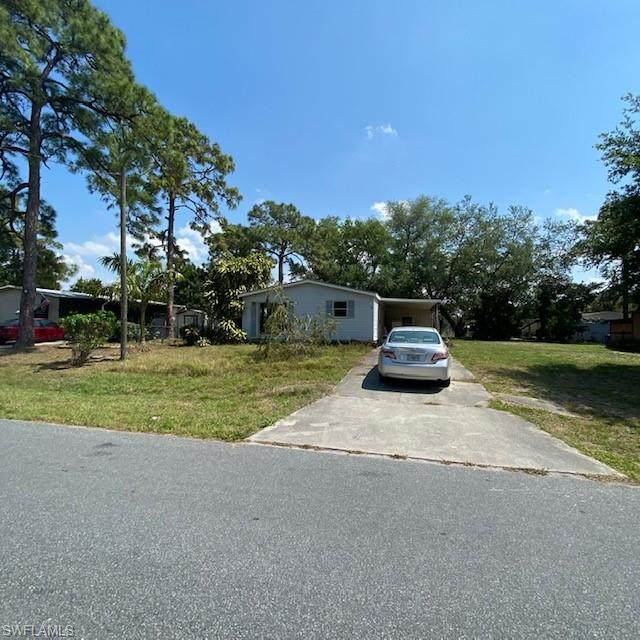 7577 Peyraud Drive, North Fort Myers, FL 33917 (MLS #221025093) :: #1 Real Estate Services
