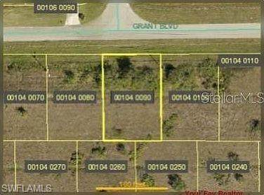 432 Grant Boulevard, Lehigh Acres, FL 33974 (#221026244) :: Caine Luxury Team