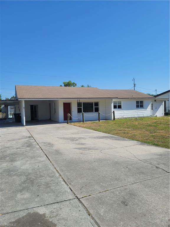 238 Lakeview Drive, North Fort Myers, FL 33917 (MLS #221026760) :: #1 Real Estate Services