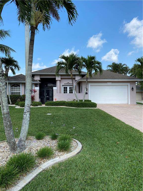 4320 SE 1st Place, Cape Coral, FL 33904 (#221029338) :: Caine Luxury Team