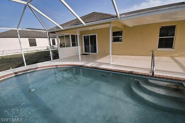 1103 SW 32nd Terrace, Cape Coral, FL 33914 (#221030055) :: Caine Luxury Team