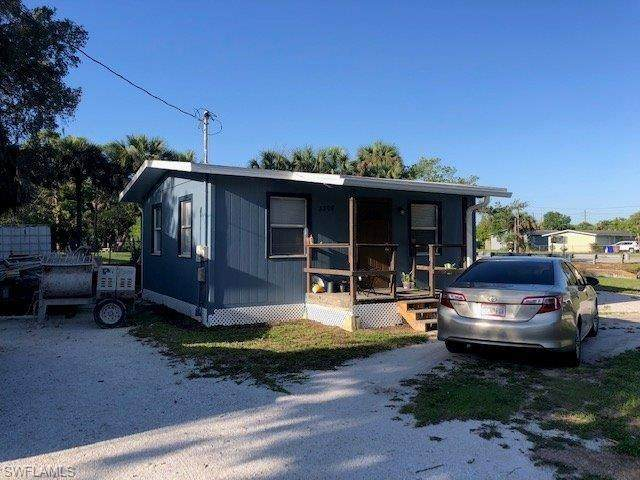 3208 Dale Street, Fort Myers, FL 33916 (MLS #221031269) :: Wentworth Realty Group