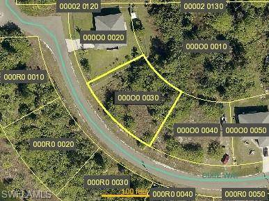 2110 Dixie Way, Lehigh Acres, FL 33972 (MLS #221032074) :: RE/MAX Realty Team