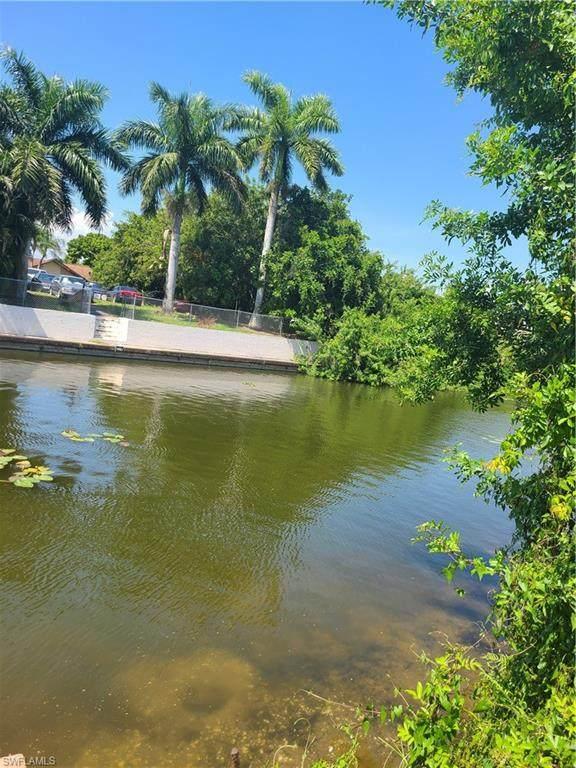 2205 SE 2nd Terrace, Cape Coral, FL 33990 (MLS #221033291) :: Clausen Properties, Inc.