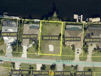 2919 SW 40th Street, Cape Coral, FL 33914 (MLS #221034175) :: Clausen Properties, Inc.
