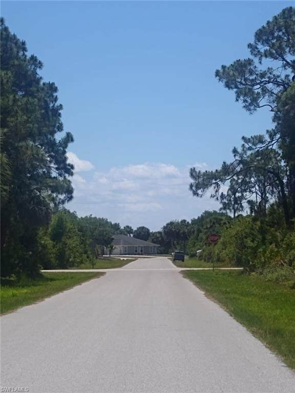 3108 Montgomery Drive, Port Charlotte, FL 33981 (MLS #221034820) :: Clausen Properties, Inc.