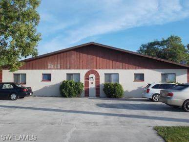 709 SE 8th Terrace, Cape Coral, FL 33990 (MLS #221035005) :: Domain Realty
