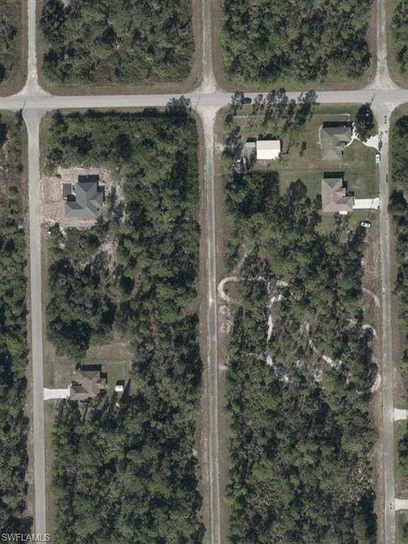2013 Jefferson Avenue, Alva, FL 33920 (MLS #221035748) :: Clausen Properties, Inc.