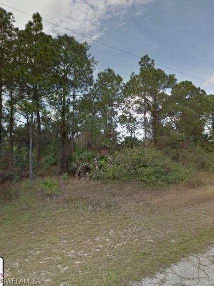 2017 Jefferson Avenue, Alva, FL 33920 (MLS #221035940) :: Clausen Properties, Inc.