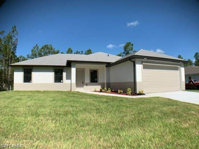 7753 13th Terrace, Labelle, FL 33935 (MLS #221037077) :: Wentworth Realty Group