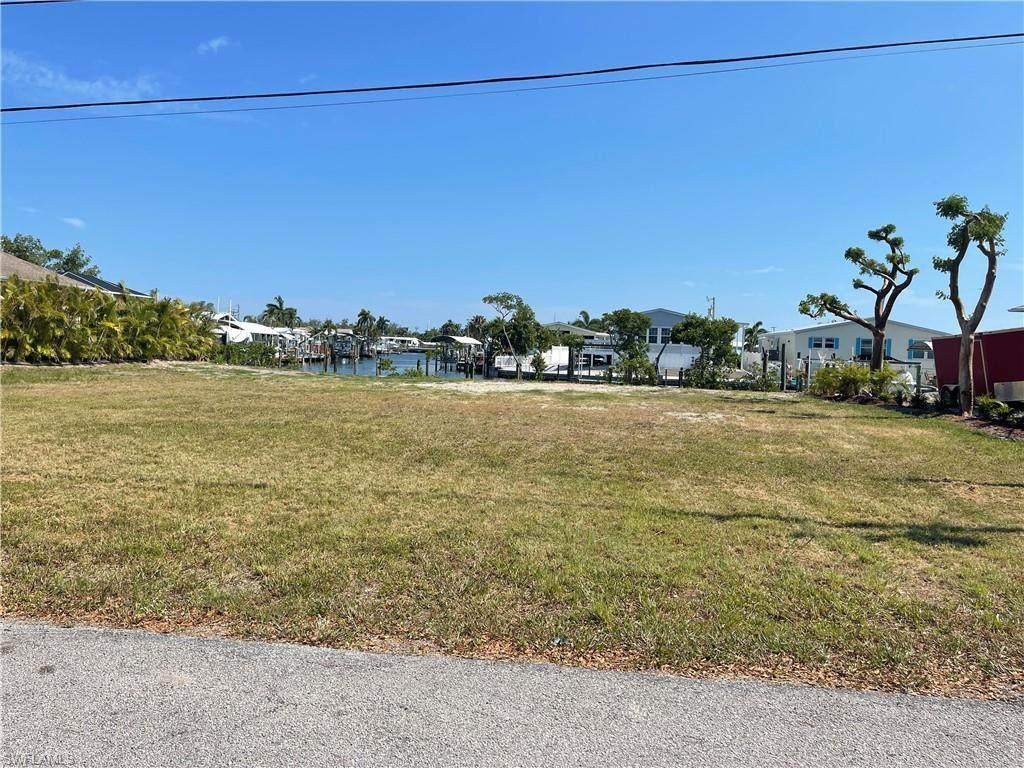 3801 Galt Island Avenue - Photo 1