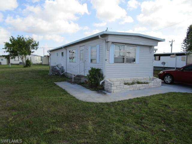 3109 Saturn Circle, North Fort Myers, FL 33903 (MLS #221040281) :: Realty Group Of Southwest Florida