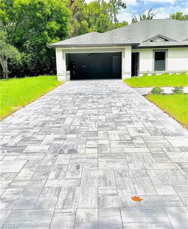 907 SE 24th Avenue, Cape Coral, FL 33990 (MLS #221040788) :: Avantgarde