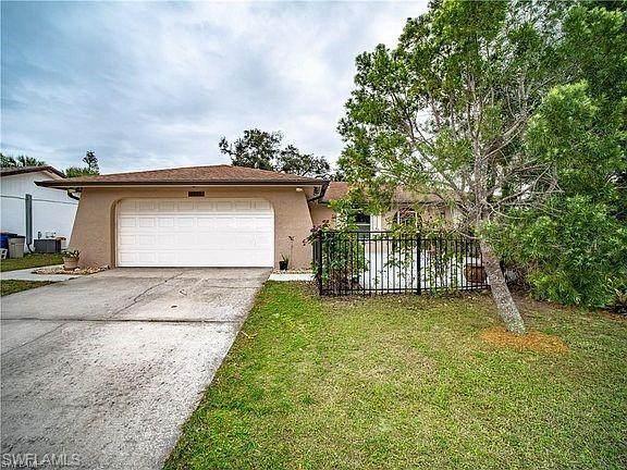 1355 Torreya Circle, North Fort Myers, FL 33917 (#221042414) :: The Michelle Thomas Team