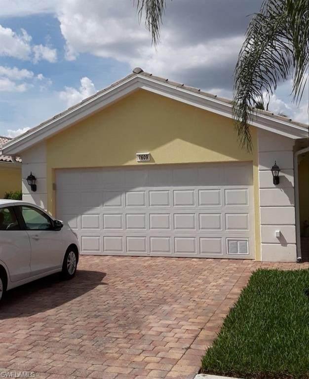 7609 Rozzini Lane, Naples, FL 34114 (#221042501) :: The Dellatorè Real Estate Group