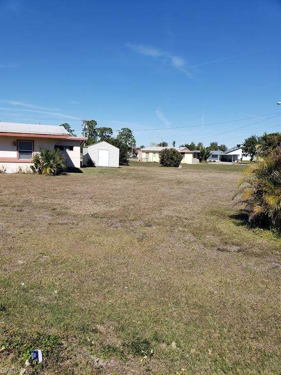 1003 Leeland Heights Blvd  West, Lehigh Acres, FL 33936 (MLS #221043569) :: Realty One Group Connections