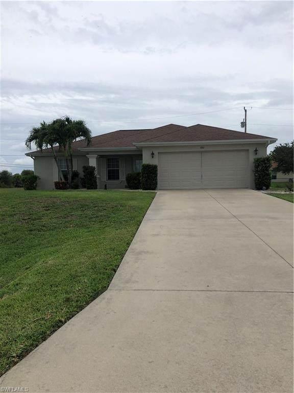 1901 NE 19th Terrace, Cape Coral, FL 33909 (MLS #221044172) :: Domain Realty
