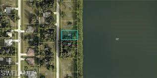 427 SW 18th Court, Cape Coral, FL 33991 (MLS #221044244) :: Tom Sells More SWFL   MVP Realty